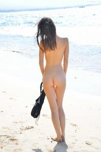http://img238.imagevenue.com/loc202/th_155782089_Mary_and_Aubrey_Hawaii_II_Beach_Bunnies_88_123_202lo.jpg