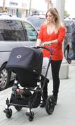 http://img238.imagevenue.com/loc363/th_217379606_Hilary_Duff_Shopping_in_Beverly_Hills20_122_363lo.jpg