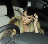 Victoria Beckham - Страница 14 Th_56528_celebrity-paradise.com_Victoria_Beckham_arriving_At_Hotel_018_122_381lo
