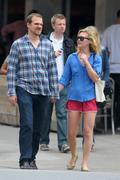 http://img238.imagevenue.com/loc466/th_663804566_Julia_Stiles_Out_about_NYC2_122_466lo.jpg