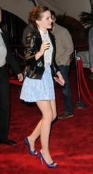 Emma Watson au festival Tribeca de New York. Th_127480985_EmmaWatson_TribecaFF_210412_102_122_521lo