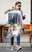 http://img238.imagevenue.com/loc581/th_926678572_Mandy_Moore_picks_up_her_dry_cleaning8_122_581lo.jpg