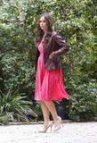 http://img238.imagevenue.com/loc67/th_60396_Jennifer_Love_Hewitt_2009-03-04_-_on_the_set_of_Ghost_Whisperer_932_122_67lo.jpg